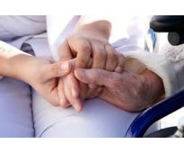 Se busca auxiliares de ayuda a domicilio o auxiliar de enfermeria