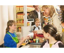 Se solicitan cajeros en supermercado