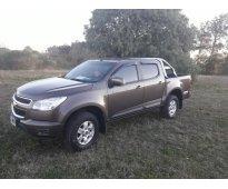 Vendo Chevrolet   s  10  lt  2013