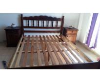 Vendo Juego De Dormitorio Algarrobo Cama 2 plaza,mesita 2 Y Cómoda