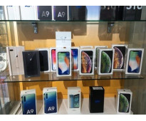Apple iPhone XS Max XS Samsung S10+ S10 Huawei P30 Pro y P30 $400 USD