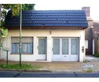 Venta Olivos Casa 3 amb.Lote propio- con 2  garage