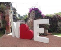 Letras en polifan grandes en Parque Patricios