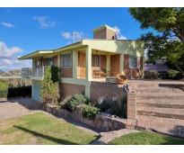 Muy linda casa en venta en lago azul, barrio privado, con vistas al lago y sierr...