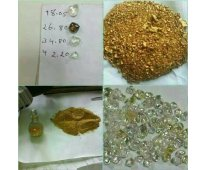 Vendedores de oro en polvo, barras de oro y diamantes.