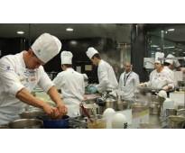Urgen camareros, cocineros y ayudantes en restaurantes