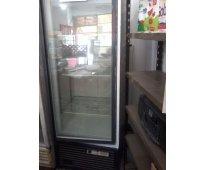 Vendo heladera exhibidora $ 3000 - en excelente estado regalo