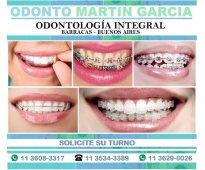 Ortodoncia invisalign brackets estéticos cerámicos zafiro