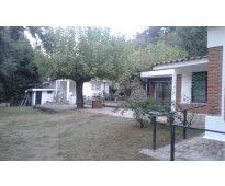 Chalet + departamento +900m2 de terreno, 2 cuadras del rio. villa carlos paz