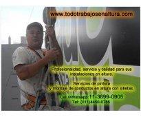 Servicios de pintura y montaje de conductos en altura con silletas 11-3699-0905