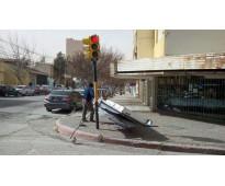 Arreglamos carteles por tormenta en avenida meeks