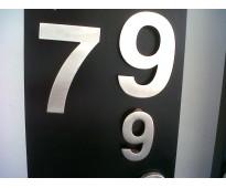Letras en acero inoxidable números y logotipos en seguí