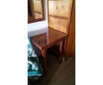 Mesa de madera cuadrada 60x60