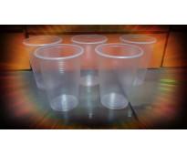 Gran variedad de modelos de vasos desechables.