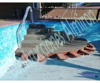 Construccion refaccion revestimiento pintura de piletas de natacion