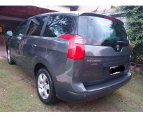 Peugeot 5008 7 asientos full - excelente estado