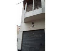 Vendo local 300 m2  con posibilidad casa en pta ata ciudad de la plata