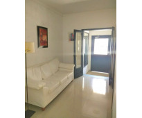 Enorme casa apta vivienda familiar o institución (clínica o oficinas).