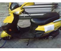 Vendo moto suzuki modelo 2012