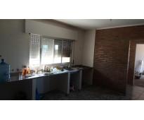 Piatti inmobiliaria vende impecable propiedad de tres dormitorios en ibarlucea.