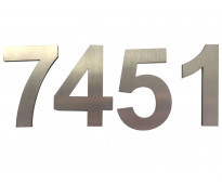 Números de metal para fachadas en Dr. Melo