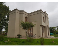 Casa de estilo con gran terreno en salta