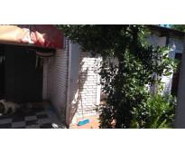 Se vende casa en la ciudad de pilar -a pocas cuadras de la estación de tren