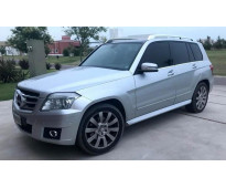 VENDO MERCEDES BENZ GLK 300 - 4 MATIC, TODO TERRENO- MOD. 2010