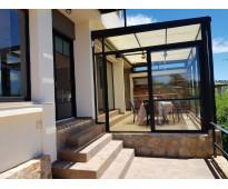 Excelente casa en venta en villa carlos paz, 3 dormitorios, pileta, vista panorá
