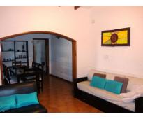 Muy linda casa en venta en villa carlos paz, con pileta con jakuzzi, céntrica. t