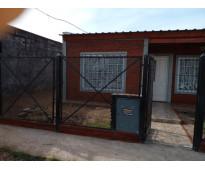 Dueño vende casa a estrenar. escucho propuesta razonable en pesos