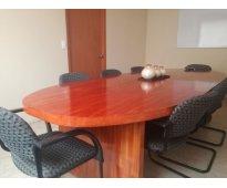 Buscas una sala donde tener una reunion laboral