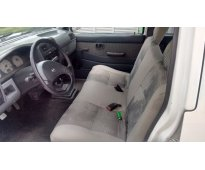 Nissan doble cabina 2008 np300
