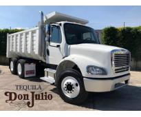 Camion de volteo  freightliner modelo 2015