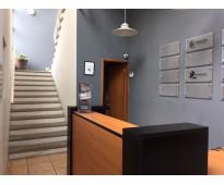 Oficina ejecutiva, amueblada, excelentes servicios