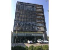 Renta de oficinas nuevas y privadas