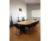 Sala de juntas y talleres