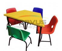 Sillas y mesas infantiles para tareas escolares