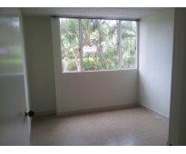 Apartamento cómodo, iluminado y amplio