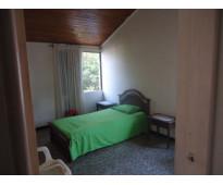 Alquilo  amplia habitacion - cartagena barrio manga